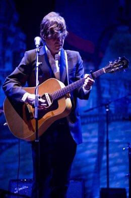 El cantautor asturiano Nacho Vegas en un concierto en Barcelona