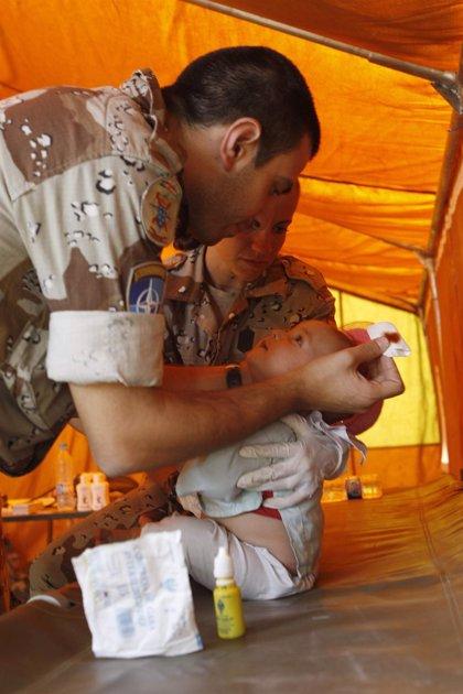 Los extranjeros con permiso de estudios podrán optar al ingreso en las Fuerzas Armadas como médicos