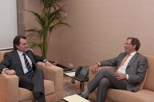 Mas se reúne con el director general de Sanofi-aventis par España y Portugal