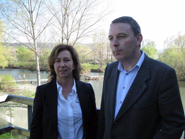 Ana Tabar y Javier Aldaz, durante el acto sobre las alergias en el Molino de Cap