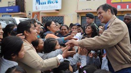 Ecuador.- El 77% de los ecuatorianos aprueba la gestión de Correa, según un sondeo