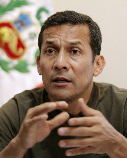 Ollanta Humala propone reformar la Constitución de Perú pero