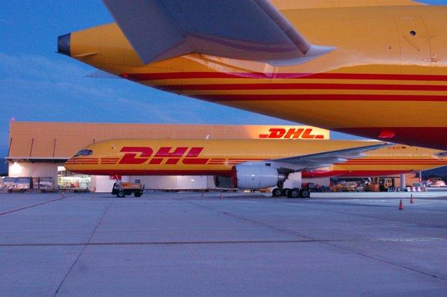 Aviones de DHL.