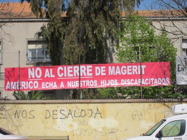 Cartel en el centro Magerit