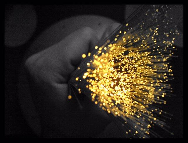 recurso cable de fibra óptica por Kainet CC Flickr