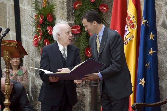 González Acilu cuando recibió el Premio Príncipe de Viana.