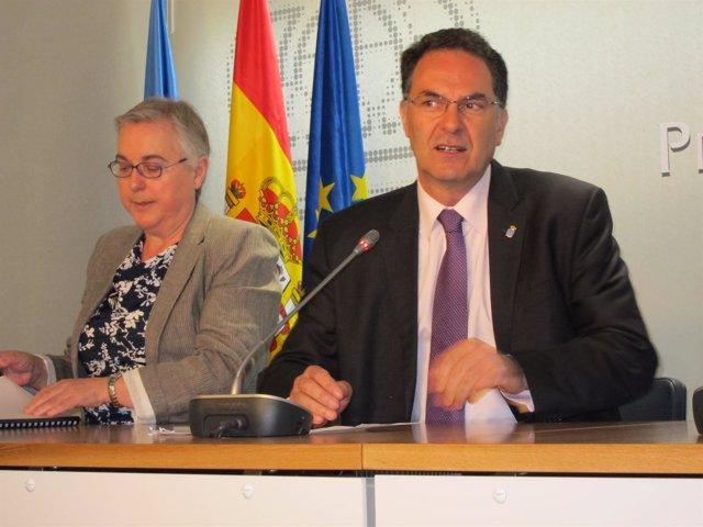 Ramón Quirós, a la derecha