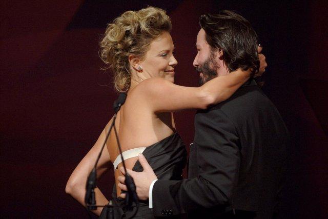 Keanu Reeves Y Charlize Theron