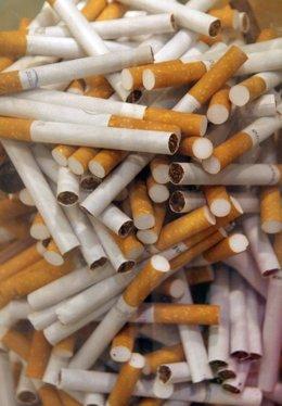 un montón de cigarros