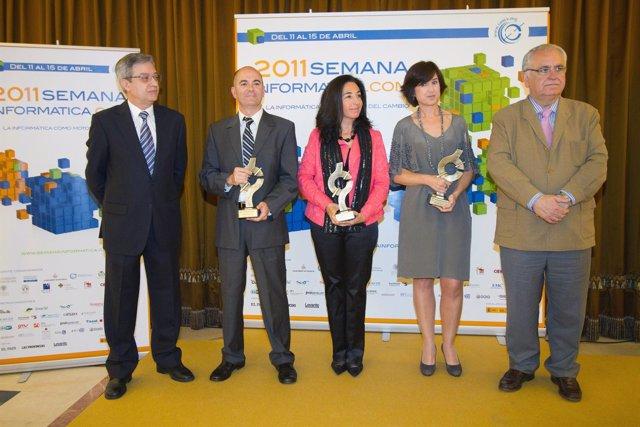 Cotino Recoge Un Premio Del Colegio Oficial De Informáticos
