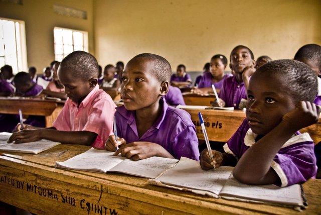 Pobreza-analfabetismo-Africa