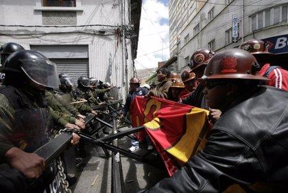 Sindicatos arrancan al Gobierno  boliviano una leve subida salarial