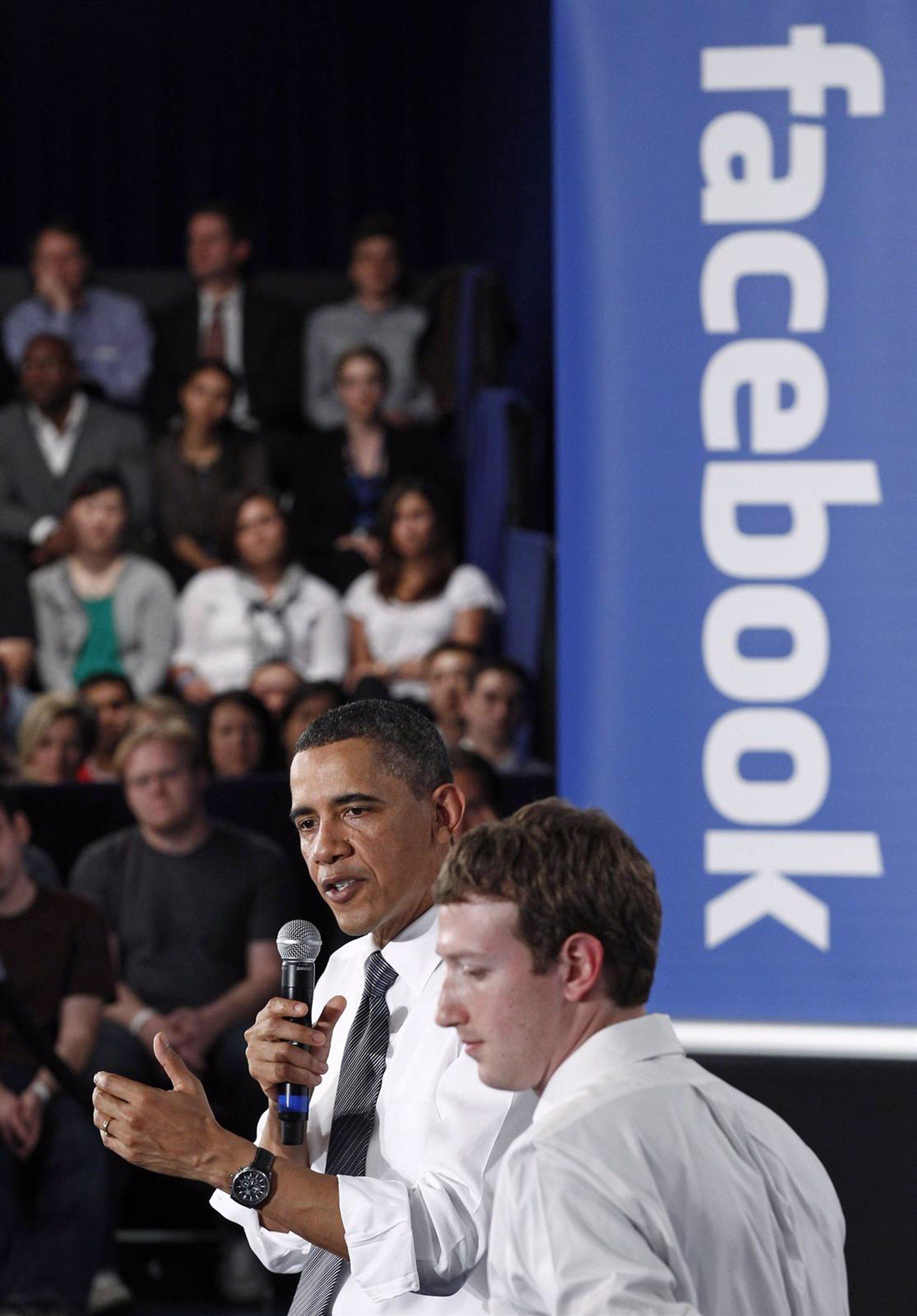 Obama defiende su política económica en la sede de Facebook