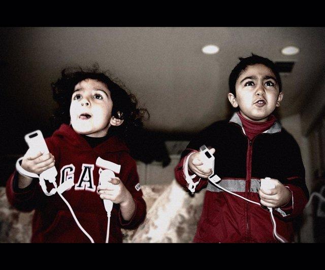 Niños Jugando Wii