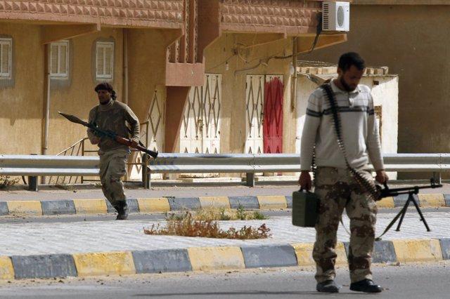Rebeldes Libios Combaten En Las Calles De Misrata