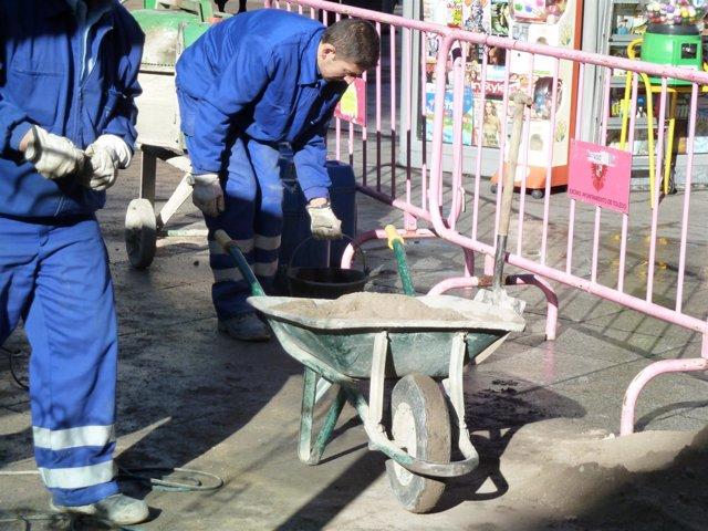 Obreros, albañiles, obras, construcción, empleo