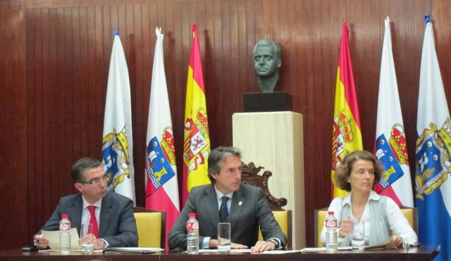 Un Momento Del Pleno Del Ayuntamiento De Santander