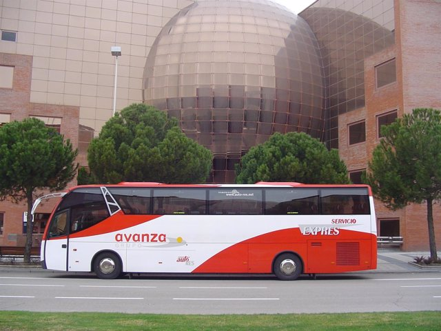 Uno De Los Autobuses De Avanza