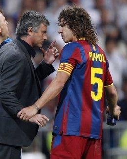 Mourinho Y Puyol Hablan Durante La Ida De La Final De Champions