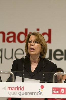 Maru Menéndez atril