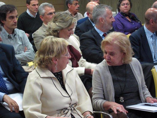 Emilia Vázquez Y María Antonia Fernández Felgueroso