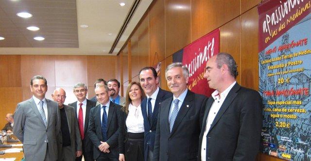 Representantes Del Comercio, La Hostelería Y Los Consistorios De Las Dos Medinas
