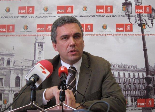 El Portavoz Del Grupo Municipal Socialista En Valladolid, Javier Izquierdo