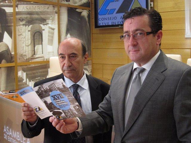 Abel Hernández Y Antonio Galán Durante La Presentación De Estos Premios