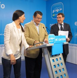 Rosario Soto, Antonio Sanz Y Rafael Carmona, Hoy En Rueda De Prensa