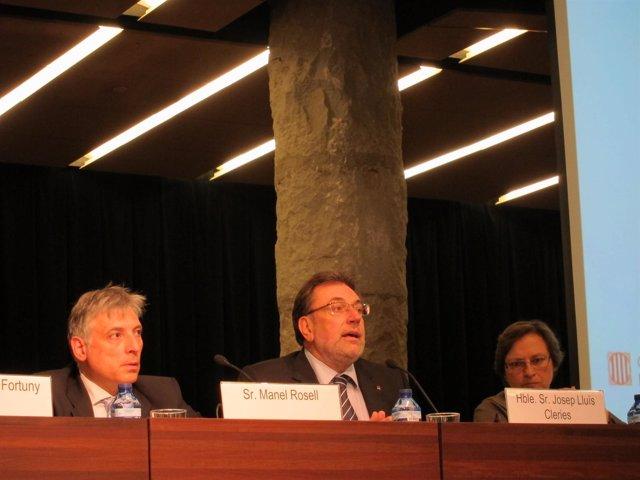 El Conseller De Bienestar Social Y Familia, Josep Lluís Cleries