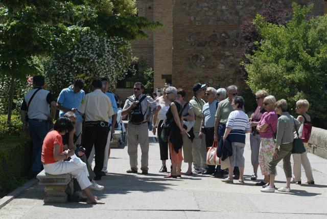 Turistas en La Alhambra