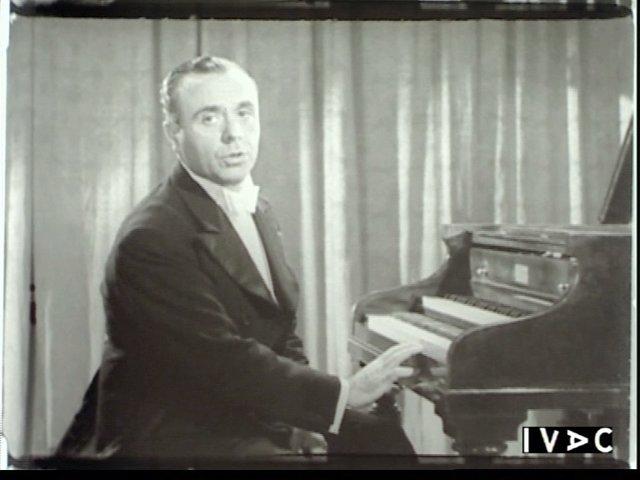 José Iturbi Al Piano En Un Cortometraje
