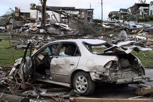 Tornado En Alabama Destroza Casas Y Vehículos