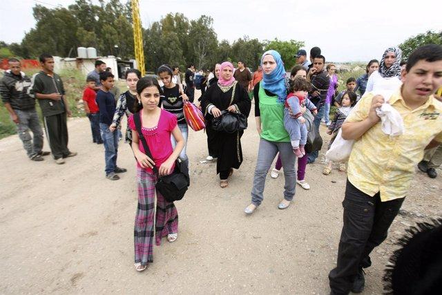 Familias Sirias Cruzan A Líbano Huyendo De La Represión Gubernamental