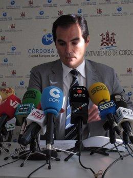 José Antonio Nieto Durante La Rueda De Prensa