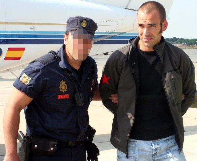 El Presunto Etarra Oier González, Entregado Por Francia