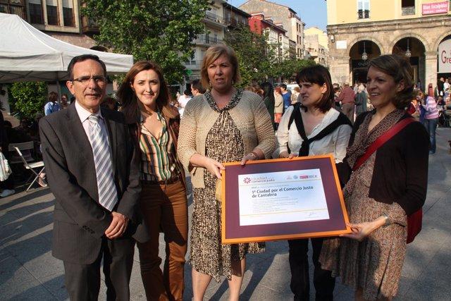 Torrelavega recibe el título de Ciudad por el Comercio Justo