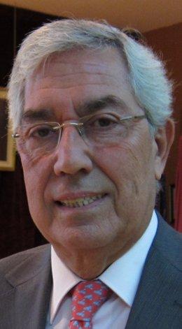El Diputado Javier Gómez Darmendrail, Miembro De Comisión De Seguridad Nuclear.