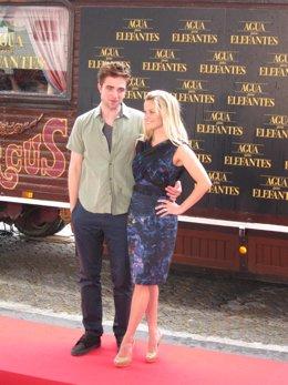 Robert Pattinson Y Resse Witherspoon En Barcelona
