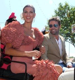 Laura Sánchez Y David Ascario En La Feria De Sevilla