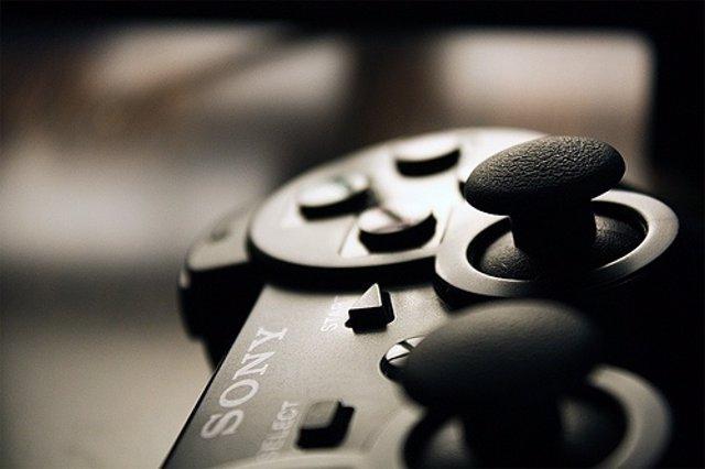 Mando De Playstation Por Angelo González CC Flickr