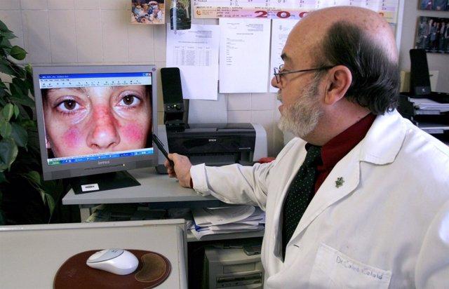 Calco Catalá Señalando Un Caso De Lupus