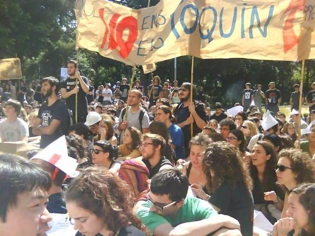 Estudiantes Protestan Contra Los Recortes