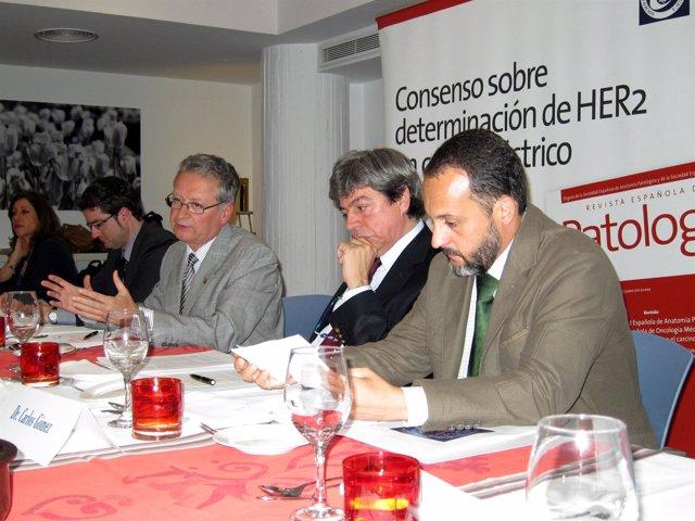 El Doctor López-Ríos (I), Doctor Ariza, Doctor Cruz Y El Investigador Gómez (D)