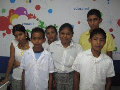 Guatemala.- Estudiantes guatemaltecos ganan la II fase del concurso de periodismo escolar de Fundación Telefónica