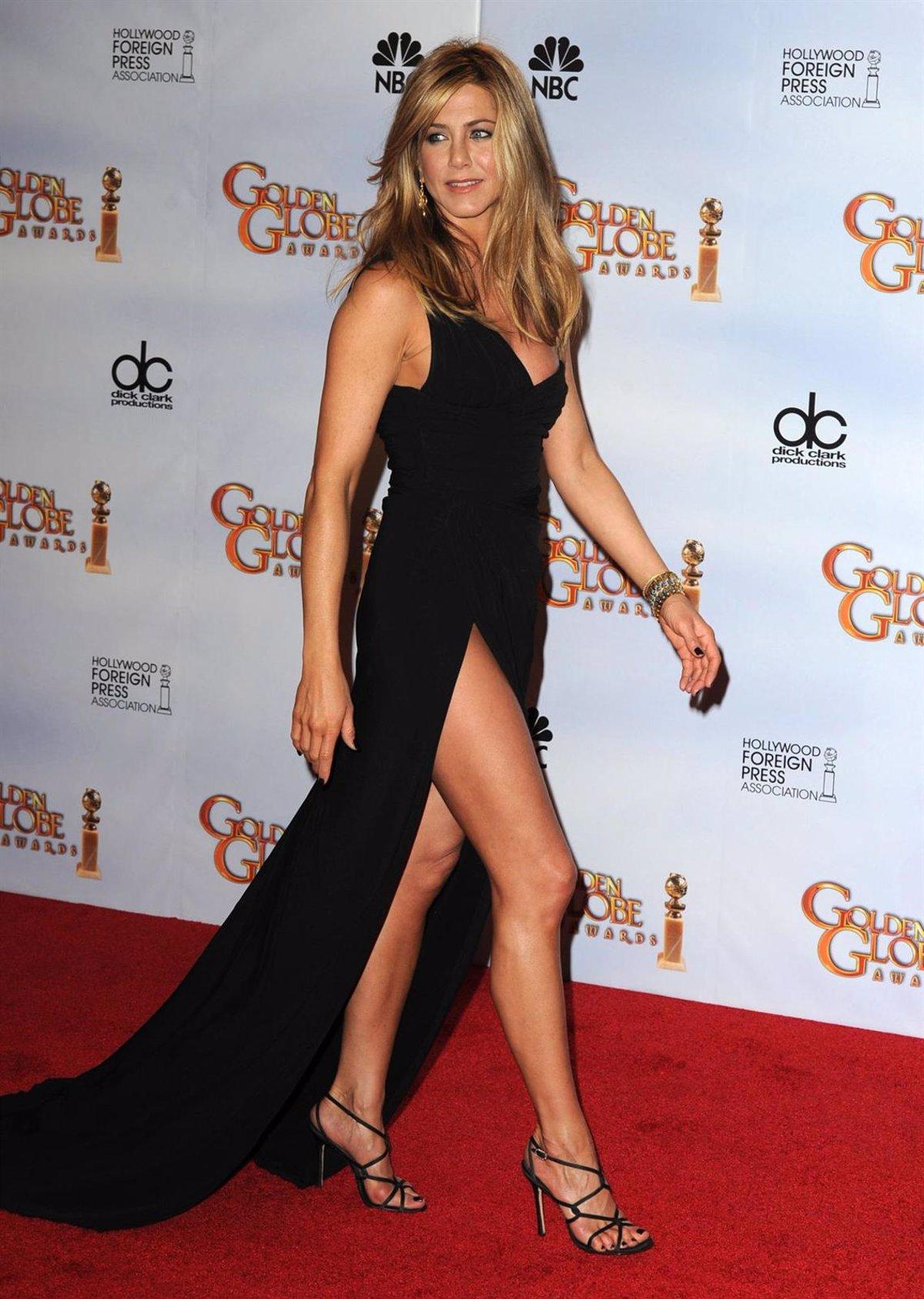 Jennifer Aniston Desnuda Y Comiendo Un Plátano