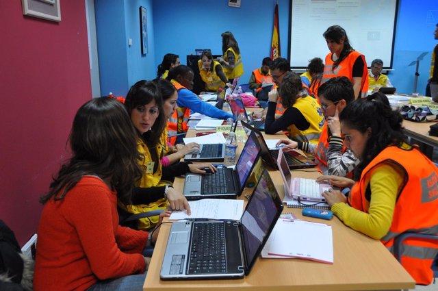 Alumnos De Un Máster De La US Asisten A Las Víctimas De Lorca
