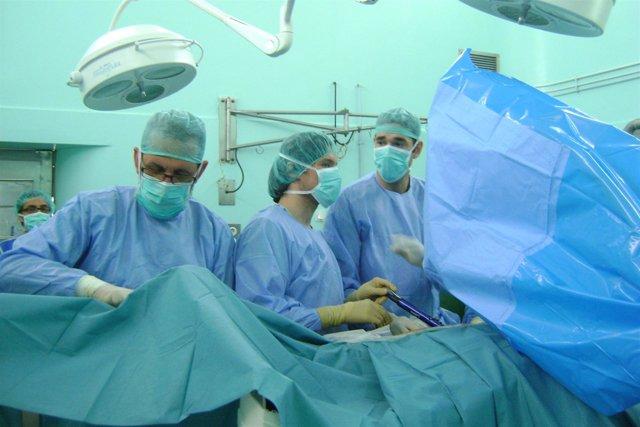 Cirugía-quirófano-cirujanos