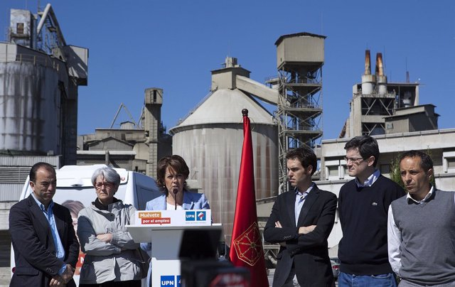 Yolanda Barcina, Con Candidatos De UPN En Olazagutía.