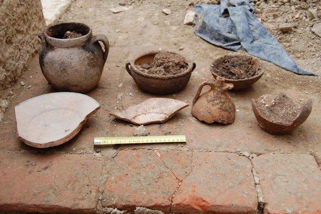 Restos De Vajilla De Cocina Encontrados En El Castillo De Villaonso